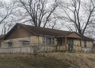 Foreclosed Home in Carthage 64836 GROVE ST - Property ID: 4514331284