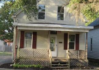 Foreclosed Home in Peoria 61604 W SHERMAN AVE - Property ID: 4514408368