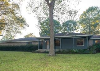 Foreclosed Home in Dayton 77535 COUNTY ROAD 427 LOOP - Property ID: 4514416247