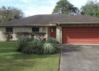 Foreclosed Home in Lakeland 33813 GROVECREST DR - Property ID: 4514618606