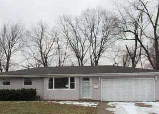 Foreclosed Home in Peoria 61614 W GREENBRIER LN - Property ID: 4514862104