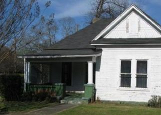 Foreclosed Home in Birmingham 35206 3RD AVE S - Property ID: 4515125782