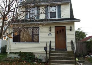 Foreclosed Home in Lindenhurst 11757 WINCHESTER DR - Property ID: 4515137599