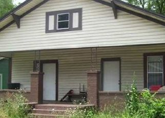 Foreclosed Home in Birmingham 35211 27TH ST SW - Property ID: 4515198478