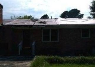 Foreclosed Home in Warsaw 28398 WADE ST - Property ID: 4515234388