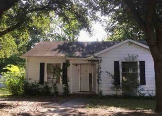 Foreclosed Home in Kilgore 75662 THOMPSON ST - Property ID: 4515267680