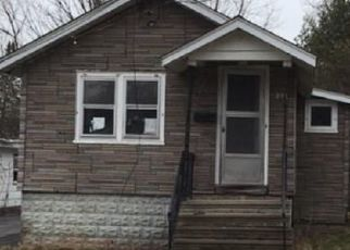 Foreclosed Home in Oneida 13421 MAPLE ST - Property ID: 4515302720