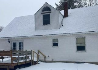 Foreclosed Home in New Gloucester 04260 BLUFF CIR - Property ID: 4515309729