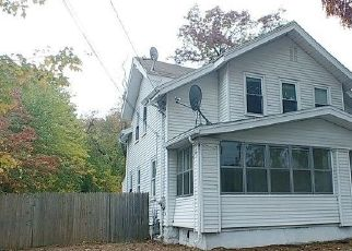 Foreclosed Home in West Springfield 01089 NORTH BLVD - Property ID: 4515452951
