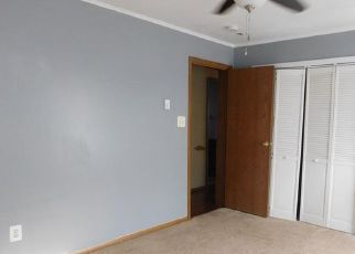 Foreclosed Home in Harrisville 16038 HOUSTON AVE - Property ID: 4515536145