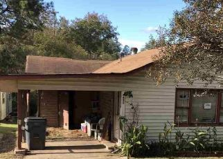 Foreclosed Home in Adamsville 35005 LAKESHORE CIR - Property ID: 4515935587