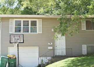 Foreclosed Home in Creston 50801 LIVINGSTON AVE - Property ID: 4516442317