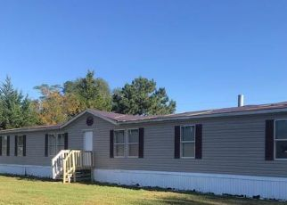 Foreclosed Home in Elizabethtown 28337 LEMONBALM DR - Property ID: 4516522916