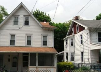 Foreclosed Home in Reading 19606 N BINGAMAN ST - Property ID: 4516543941