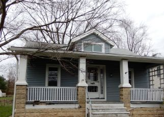 Foreclosed Home in Colmar 18915 E WALNUT ST - Property ID: 4516557510