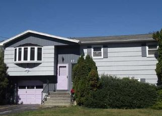 Foreclosed Home in Waterford 06385 QUARRY RD - Property ID: 4516606562