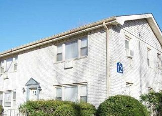 Foreclosed Home in Islip 11751 TOEHEE PL - Property ID: 4516617511