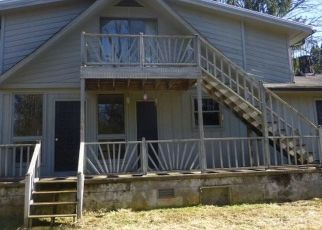Foreclosed Home in Franklin 28734 HYATT RD - Property ID: 4516923659