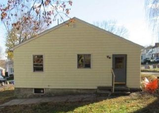 Foreclosed Home in Cranston 02920 MAPLEWOOD AVE - Property ID: 4516970973