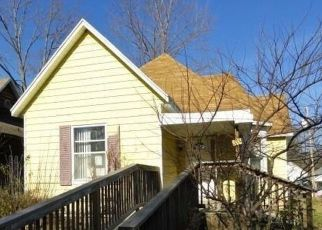 Foreclosed Home in Salem 62881 W WARMOUTH ST - Property ID: 4516992864