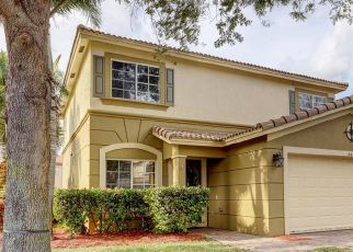 Foreclosed Home in Stuart 34997 SE DUVAL DR - Property ID: 4517148329