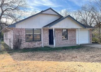 Foreclosed Home in Okmulgee 74447 E 4TH ST - Property ID: 4517279283