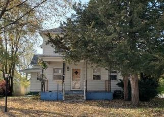 Foreclosed Home in Sterling 61081 4TH AVE - Property ID: 4517459747