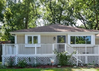 Foreclosed Home in Lake In The Hills 60156 LOCUST ST - Property ID: 4517508348