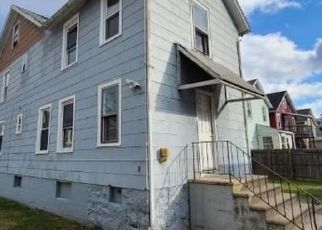 Foreclosed Home in Meriden 06451 PINE ST - Property ID: 4517775517