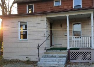 Foreclosed Home in Wallingford 06492 CLIFTON ST - Property ID: 4517776387