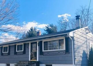 Foreclosed Home in Ridgefield 06877 BATES FARM RD - Property ID: 4517780326