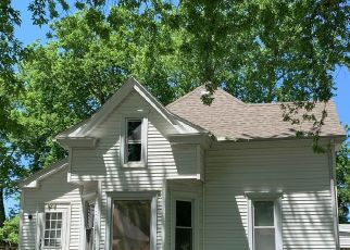 Foreclosed Home in Pontiac 61764 E MADISON ST - Property ID: 4518035229