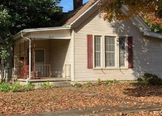 Foreclosed Home in Paris 61944 N JEFFERSON ST - Property ID: 4518102687