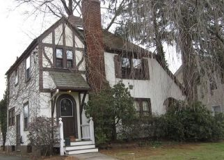 Foreclosed Home in West Hartford 06119 BALLARD DR - Property ID: 4518112762