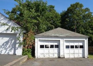 Foreclosed Home in Torrington 06790 FUNSTON AVE - Property ID: 4518114505