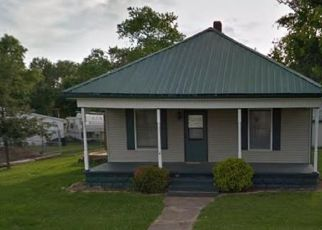 Foreclosed Home in Vermilion 61955 E GARFIELD ST - Property ID: 4518138148