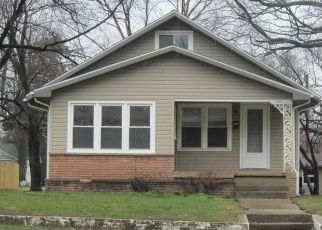 Foreclosed Home in Vandalia 62471 W SAINT LOUIS AVE - Property ID: 4518142988