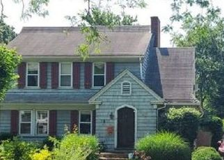 Foreclosed Home in Bridgeport 06605 BARTRAM AVE - Property ID: 4518307655