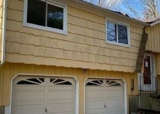 Foreclosed Home in Shelton 06484 DARRIN DR - Property ID: 4518334366
