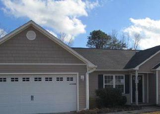 Foreclosed Home in Jacksonville 28540 WOODBURY FARM DR - Property ID: 4518480206