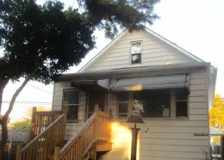 Foreclosed Home in Chicago 60630 N NAGLE AVE - Property ID: 4518516115