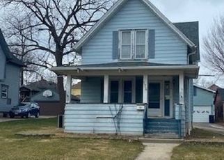 Foreclosed Home in Elgin 60123 HAMILTON AVE - Property ID: 4518521379