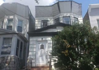 Foreclosed Home in Woodhaven 11421 88TH AVE - Property ID: 4518651911