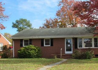Foreclosed Home in Tarboro 27886 CRAVEN ST - Property ID: 4518690443