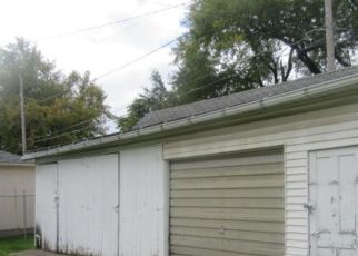 Foreclosed Home in Clinton 52732 KENILWORTH CT - Property ID: 4518785481