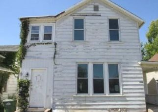 Foreclosed Home in Clinton 52732 N 3RD ST - Property ID: 4518790295