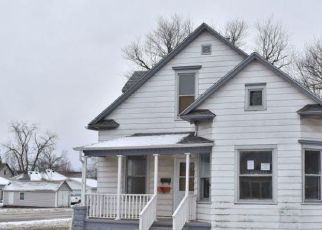 Foreclosed Home in Muscatine 52761 CLINTON ST - Property ID: 4518794234