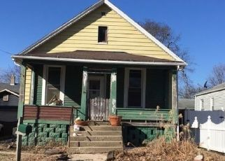 Foreclosed Home in Bloomington 61701 S CLAYTON ST - Property ID: 4518796428