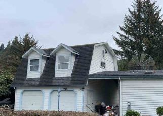 Foreclosed Home in Klamath 95548 AZALEA DR - Property ID: 4518836281