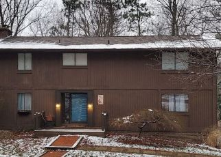 Foreclosed Home in Pittsburgh 15237 WOODLAND RD N - Property ID: 4518843742